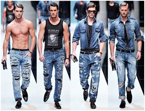 Мода на рвані і потерті джинси існує не один рік 391bcbe9d9149